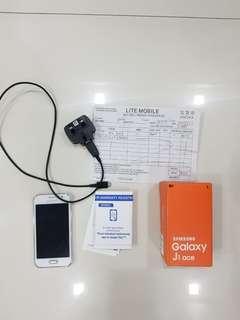 Samsung J1 Ace Galaxy