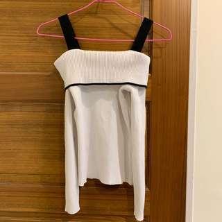 白色針織上衣