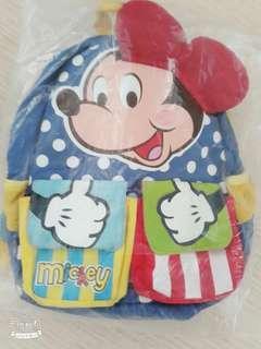 🚚 把握12月倒數免運費幼兒童米奇米老鼠書包小公仔益智玩具