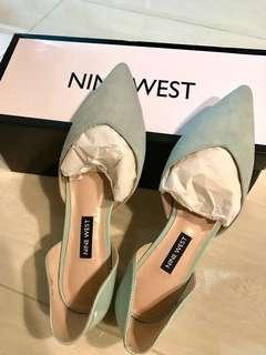 NINE WEST pointed flats in mint