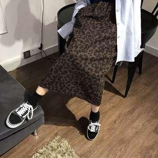 🚚 轉售🐆 秋冬 豹紋 懷舊洗刷 後開衩 中長裙 高腰裙 深咖