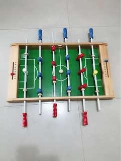 降價!Mentari 原木手足球台,益智親子玩具,品質良好。