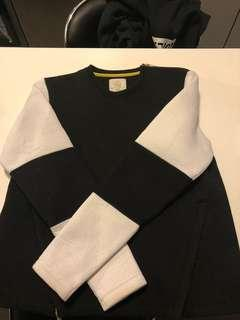 Brand new structured sweater with zipper detail
