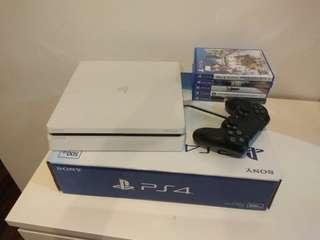 PS4 slim {free 5 game}