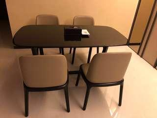 Pristine condition dining table