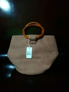 Country Road Bucket Bag with Sling