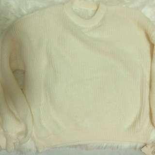 白色毛衣冷衫 寬鬆簡約百搭 前後兩穿V 領小性感露背 聖誕節冬天約會番工 White knitted clothes wool sexy simple style