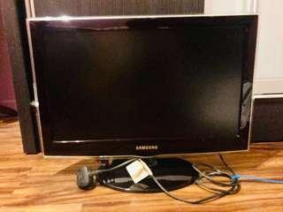 Used Samsung LCD 22 inch TV... Boxing Day Sale