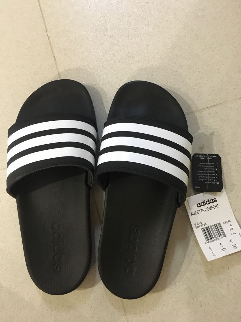 cae1cf32cd15 Brand New Adidas Cloudfoam slides