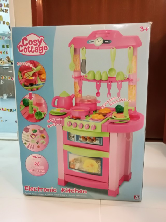 Girls Electronic Kitchen Stove Set Almost Like New Hardly