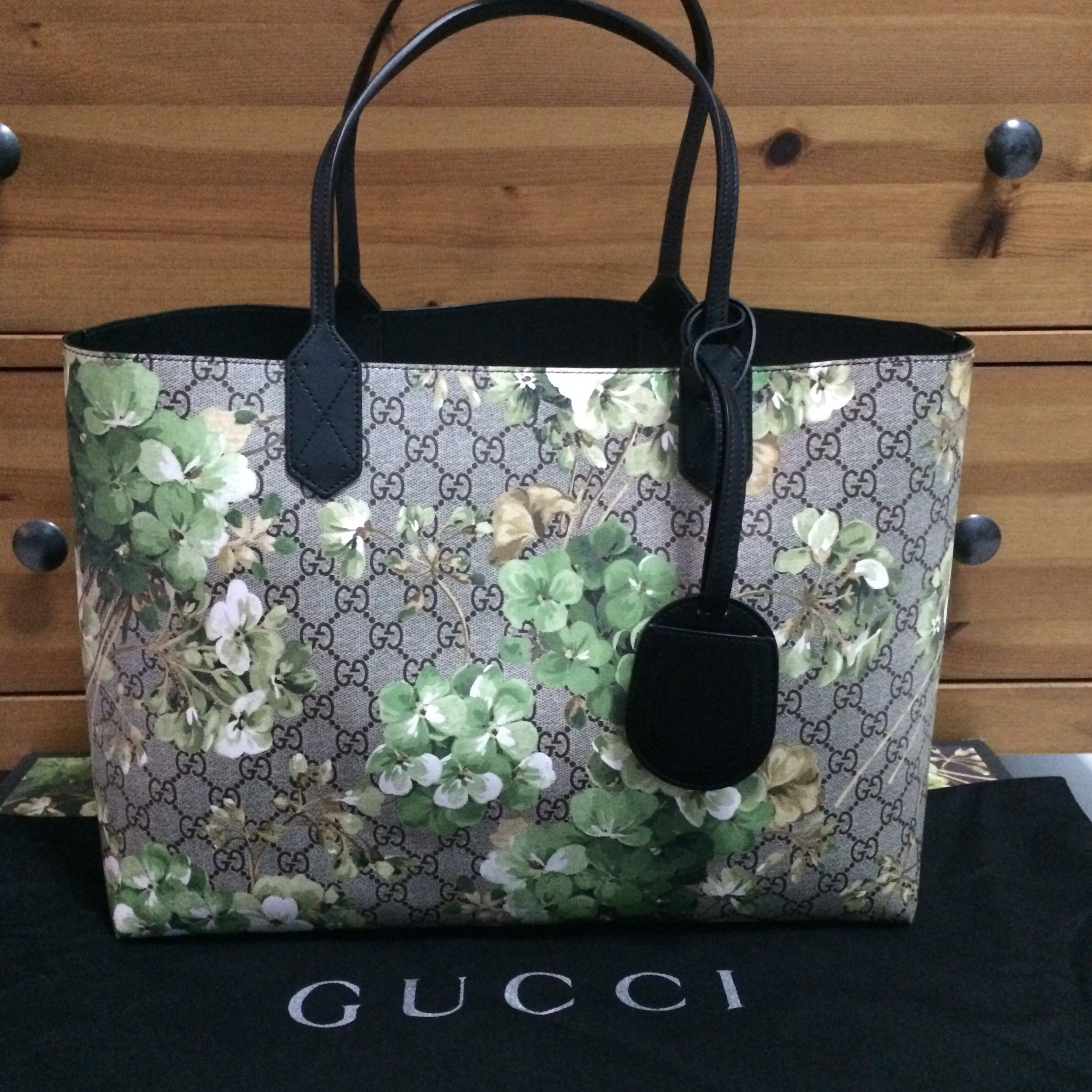 3fbb3b872 Gucci Bloom Reversible Leather Tote, Women's Fashion, Bags & Wallets on  Carousell