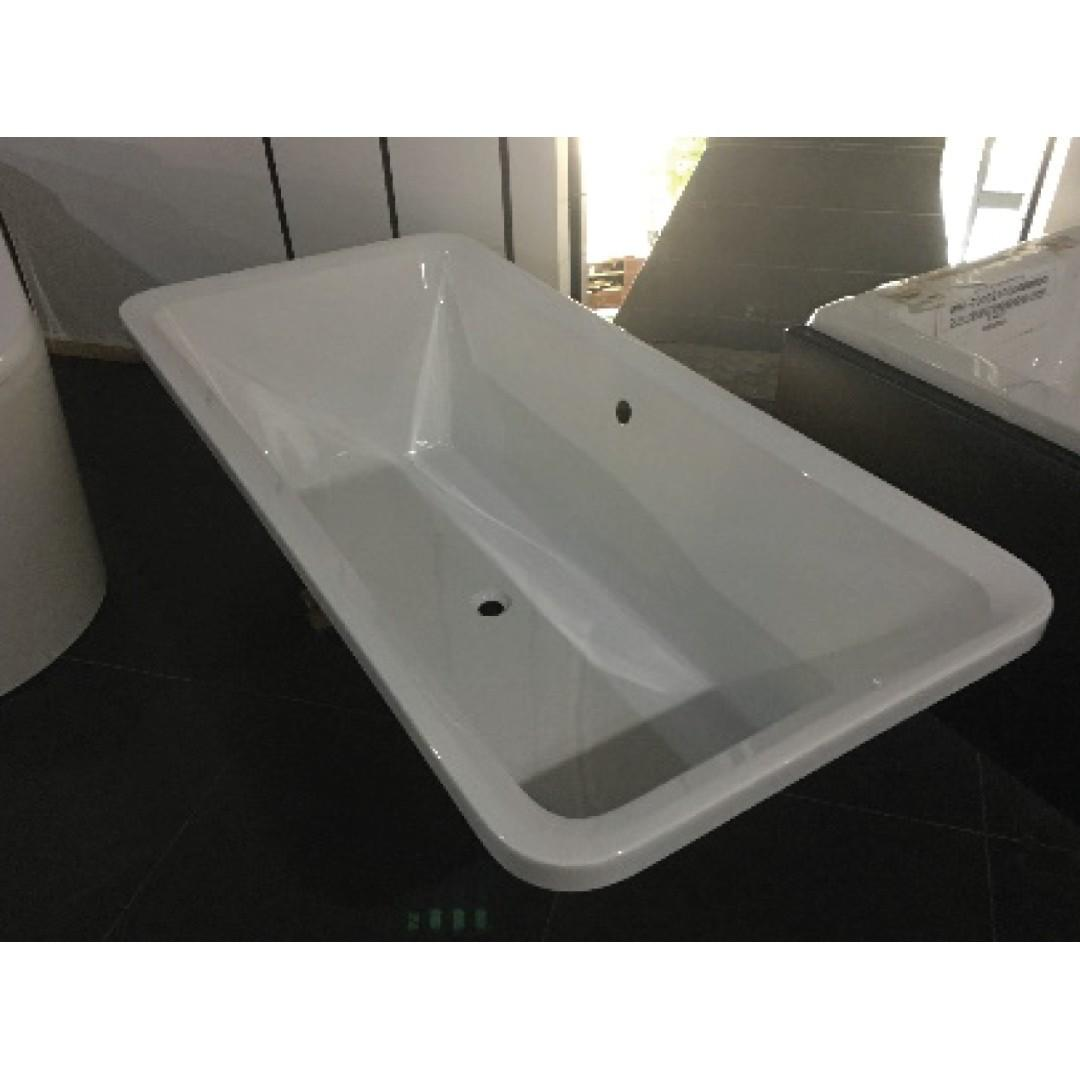 h+m Rectangular Acrylic Built-in Bathtub