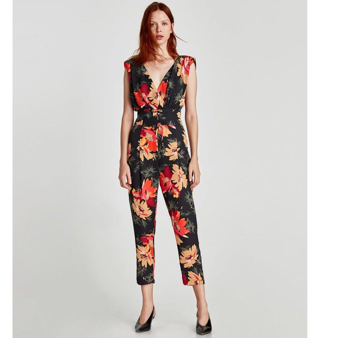 35ccd91a739 Zara Floral Print Jumpsuit