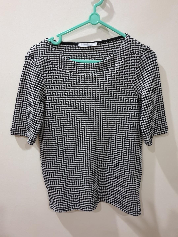 b76bc22c7120b7 Zara knit top(size S)