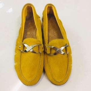 🚚 [全新]韓系金釦麂皮黃色豆豆鞋