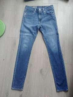 AG highwaisted jeans- size 28