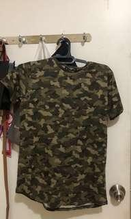 Kaos Tee Top Atasan Stradivarius New Army Green