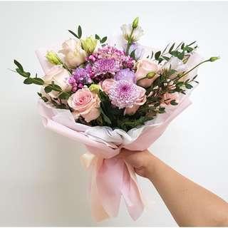 Melanie mixed flower bouquet