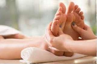 Traditional Foot reflexology / massage