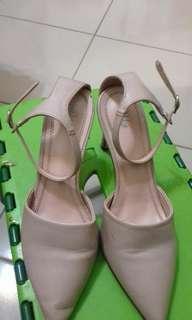 🚚 粉色高跟鞋