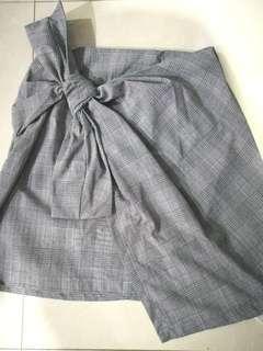 Zara plaid tie front/overlapping ribbon skirt