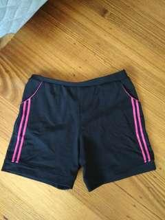 Sport shorts with pockets