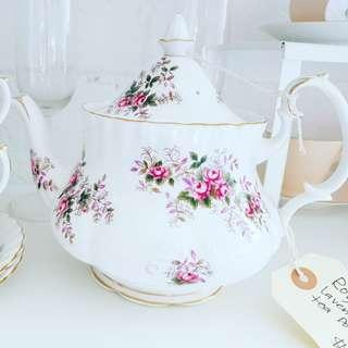 VINTAGE teaset teapot dinner plate and collectible sale