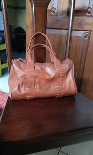 Tas kulit asli no Brand
