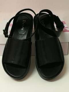 <<New>> Daphne Women Shoes