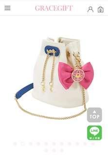 🚚 (絕版)Grace gift美少女戰士變身器領結鍊條水桶包