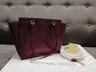 4e02d1dfa2521 Michael Kors Signature Dee Dee Large Convertible Shoulder Bag(Plum)
