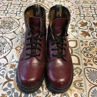 🚚 英國馬丁靴