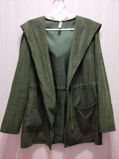 🚚 蜜桃絨 軍綠色連帽薄外套