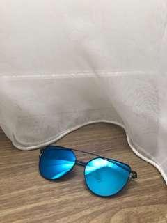 Sunnies Le Bleu