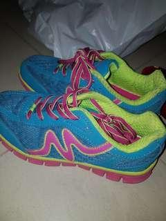 Mitre fusionlite sports shoes