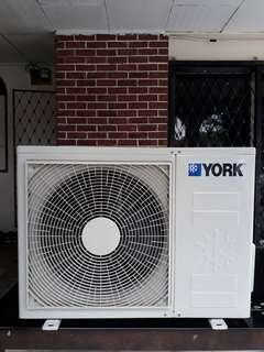York Aircond Outdoor Unit Like New