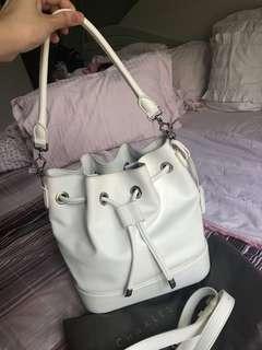 Charles n keith white bucket bag crossbody