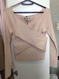 H&M 性感交叉嫩粉上衣