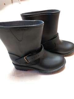 100% 全新 boots size:39