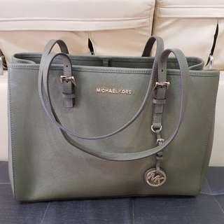 Michael Kors Jetset Travel Large Tote Bag in Olive Green