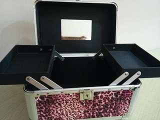 Muraaaaaah bgt barang baru !! Beauty case TAMMIA