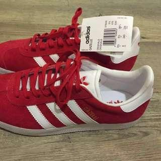 🚚 Adidas Gazelle 女紅色 全新香港買回