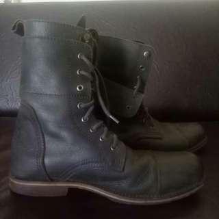 Sepatu boots wayout rock n roll not redwing / dr martens