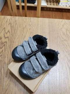 🚚 韓系寶寶魔鬼氈內刷毛造型休閒鞋.防滑膠底.15cm