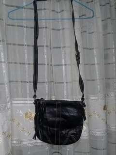 COACH BLACK GENUINE LEATHER BAG