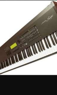 Yamaha S90 Synthesizer