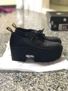 🚚 黑色厚底高跟鞋