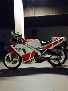 Yamaha TZR250 1KT