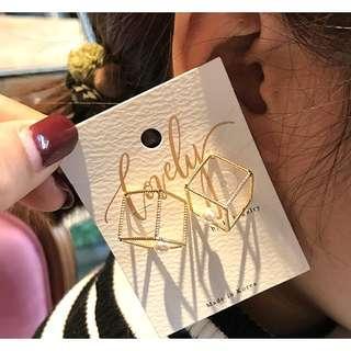🚚 現貨簡約方型金屬珍珠防敏925銀針耳環/可改透ˋ名矽膠U形耳夾