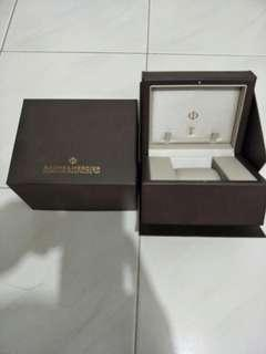 Branded new original baume & merrier box come with outer box also